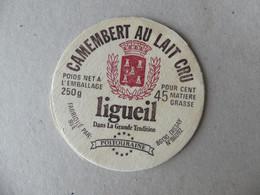 Camembert Au Lait Cru Ligueil Dans La Grande Tradition Poitouraine 250g - Kaas