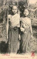LAOS  Filles De Mandarins Du Bas Laos ( Khong ) - Laos