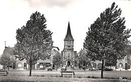 59 - Wattrelos - Place De La République, Eglise Ste Thérèse  (1959, Oldtimer) - Wattrelos
