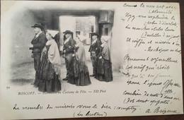 """Cpa De 1902, Roscoff 29 - Finistère """"Habitants En Costume De Fête"""", éd ND N° 70, écrite, Cachets Postaux Brest, Timbre - Roscoff"""