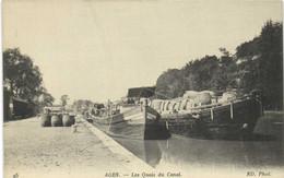 AGEN Les Quais Du Canal Barriques Peniches Chargées Batelerie RV - Agen