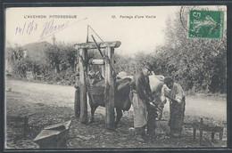 CPA 12 - Ferrage D'une Vache - Ohne Zuordnung