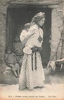 Algerie  Femme Arabe Portant Son Enfant Cpa - Donne