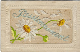 PASSIONNEMENT    FLEURS  CARTE BRODEE - Embroidered