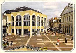 36 - CHATEAUROUX Place De L'Hotel De Ville ( CINEMA : 3 Cinémas ) CPM Grand Format - Indre ( Berry ) - Chateauroux