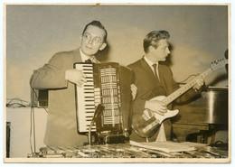 Jean Roderes Et Son Orchestre.Luxembourg.Bals Musette.accordéon Rosso Italia.guitare Fender Télécaster. Xylophone - Artiesten