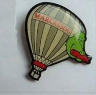 AN237 Pin's Sanglier Marcassou Saucisson à Champlon Tenneville Belgique Montgolfière Balloon Achat Immédiat - Animali