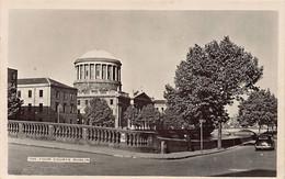 Eire - DUBLIN The Four Courts - Dublin
