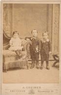 Foto Kinderen Children    FOTOGRAAf  Greiner  Amsterdam  CDV  17 X 10.5 Cm - Oud (voor 1900)