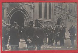 Visite Du Roi Edouard VII à Paris 1903 (King Edward VII) Le Roi Et Sa Suite Entrant Au Temple - Royal Families