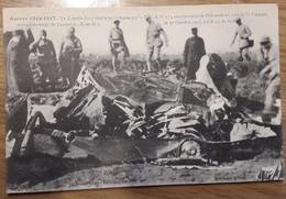 Carte Postale Guerre 1914-1917 Le Zeppelin LA4 Abattu En Flammes Par La DCAN 174 Aux Environs De Chenevières - Personen