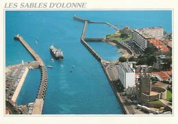 LES SABLES D'OLONNE - L'Entrée Du Port  - CPM - Sables D'Olonne