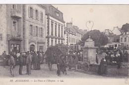 [29] Finistère  Audierne La Place Et L'hospice - Audierne