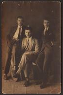 Three Men Guys Portrait GAY INT Old Photo 9x14 Cm #31881 - Anonyme Personen