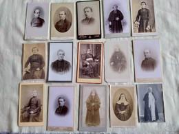Lot De 15 Photos CDV. Religieux Et Religieuse. ( N.23) - Anonyme Personen