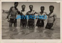 Photo Ancienne Jeune Homme En Maillot Mer Bain,gay, 70x88mm - Personas Anónimos