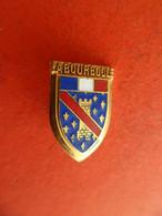 No Pins Broche émail Blason Héraldique LA BOURBOULE - Puy-de-Dôme - Città