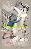 CPA EN RELIEF GAUFREE ENFANT GARCON  EMBOSSED CARD CHILD BOY BONHOMME DE NEIGE PUPPET SNOWMAN - Kinder-Zeichnungen