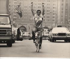 VERITABLE PHOTO DE BERNARD HINAULT  AUX ETATS UNIS FORMAT 23.7 CMS PAR 17.5 CMS  N°3 - Cycling