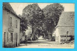 CPA LACROIX BARREZ L'Avenue Et L'Entrée Du Bourg - L'Aveyron Pittoresque 12 - Other Municipalities