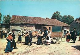 Folklore - Limousin - Jour De Noces - Attelage De Chevaux - Boulangerie - CPM - Voir Scans Recto-Verso - Costumes