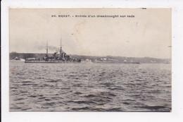 CP 29 BREST Entrée D'un Dreadnought Sur Rade - Brest