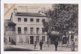CP 38 ST MARCELLIN La Sous Prefecture Et Un Coin De La Place D'Armes - Saint-Marcellin