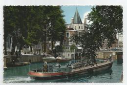 Péniches Dans Le Vieux Amsterdam (Hollande) - Hausboote