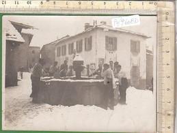 PO9608D# FOTOGRAFIA GRUPPO UOMINI ALLA FONTANA SALICE D'ULZIO SAUZE D'OULX RICORDO 1930 - Luoghi
