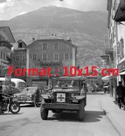 Reproduction Photographie Ancienne De Femmes Soldats Dans Une Ambulance Militaire à Brigen Suisse 1950 - Reproducciones