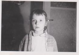 Lot De 9 Photos Originales Enfant ,militaire Lieux à Situé - Personas Anónimos