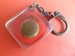 Porte Clefs  Style Bourbon -  Le MONDE Compagnie D' Assurances - Key-rings