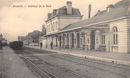 Diksmuide Dixmude  Interieur De La Gare Train Trein Statie Station Wagon Spoor Perron      M 6924 - Diksmuide