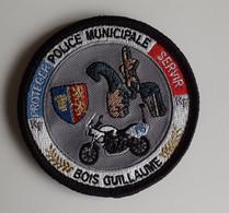 ECUSSON PATCH . POLICE MUNICIPALE . BOIS GUILLAUME . PROTEGER . SERVIR . - Patches