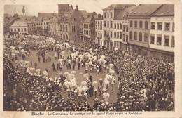 Binche Le Carnaval Le Cortege Sur La Grand Place Avant Le Rondeau      M 6968 - Binche