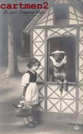 SERIE DE 5 CARTE PHOTO : LE PETIT CHAPERON ROUGE Little Red Riding Hood Girl Kind Child Enfant LOUP WOLF SURREALISME - Verzamelingen & Reeksen