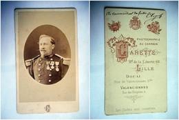PHOTO CDV 19 EME OFFICIER MEDAILLE MILITAIRE 6 SUR LE COL   Cabinet CARETTE  A LILLE - Guerra, Militari