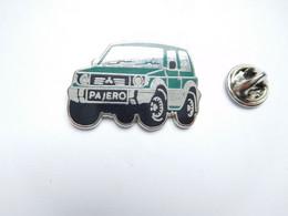 Superbe Pin's En Zamac , Auto 4X4 Mitsubishi Pajero - Mitsubishi