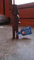 FIGURINE PVC MOULINSART TINTIN KUIFJE HERGE 2000 LE TOTEM ARUMBAYA - Tintin