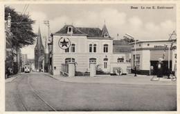 Dour - La Rue E. Estiévenart - Station Caltex - Tram - Dour