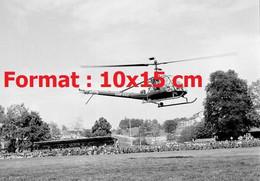 Reproduction Photographie Ancienne D'un Hélicoptère De L'armée Suisse En Démonstration à Lucerne En 1953 - Reproducciones