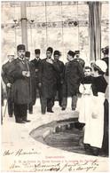 88 CONTREXEVILLE - Sa Majesté Le Shah De Perse Buvant à La Source Du Pavillon - Vittel Contrexeville