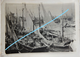 Photo OOSTENDE Port De Pêche Visser Pêcheur Boot 1932 Bateau Ship Kust Vis - Orte