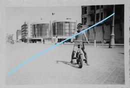 Photo KNOKKE LE ZOUTE Bij Heist Duinbergen Zeebrugge  Vélo Fiets Dijk Circa 1947 Kust - Orte
