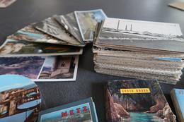 Lot De 200 CPA/CPSM Petit Format + 3 Carnets, 8 Cartes Panoramiques, 2 Cartes Rondes Et 30 CPSM/CPM GF En Cadeau - 100 - 499 Postcards