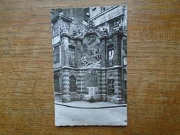 Rouen , La Fontaine Du Gros Horloge - Rouen