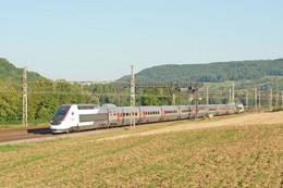 Thenissey (21 - France)  05/09/ 2013 - Le TGV POS 4412 Assurant Le Train 9261 Paris/ Lausanne Passe à Thenissey - Other Municipalities