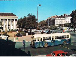 CPM NANTES Place Du Commerce - Nantes