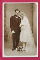 CARTE PHOTO 14 X 9 Cm Années 1930.. FEMME ( PIN-UP), HOMME, MARIES . Fonds Photographique BOURGAULT à FLERS (Orne) - Pin-ups