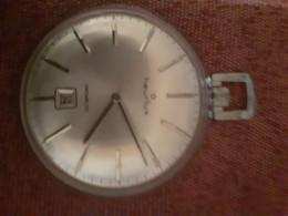 Vieille Montre Heurlux Sans Bracelet Pas En Etat De Marche 4x4 Cm - Moderne Uhren